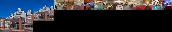 Country Inn & Suites by Radisson Port Washington WI