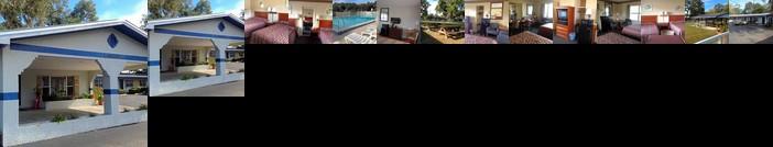 The Suwannee Gables Motel Marina