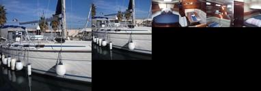 Barcelona Downtown Boat