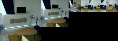 Fontainebleau Studio