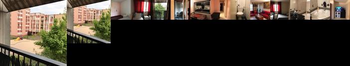 Homestay - nice cosy 3 bedroom flat to share