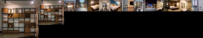 3-Plus Hotel