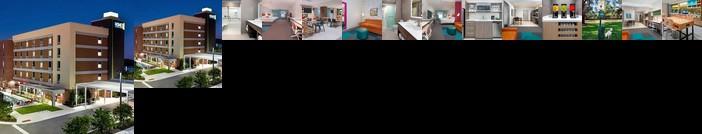 Home2 Suites Orlando Near UCF